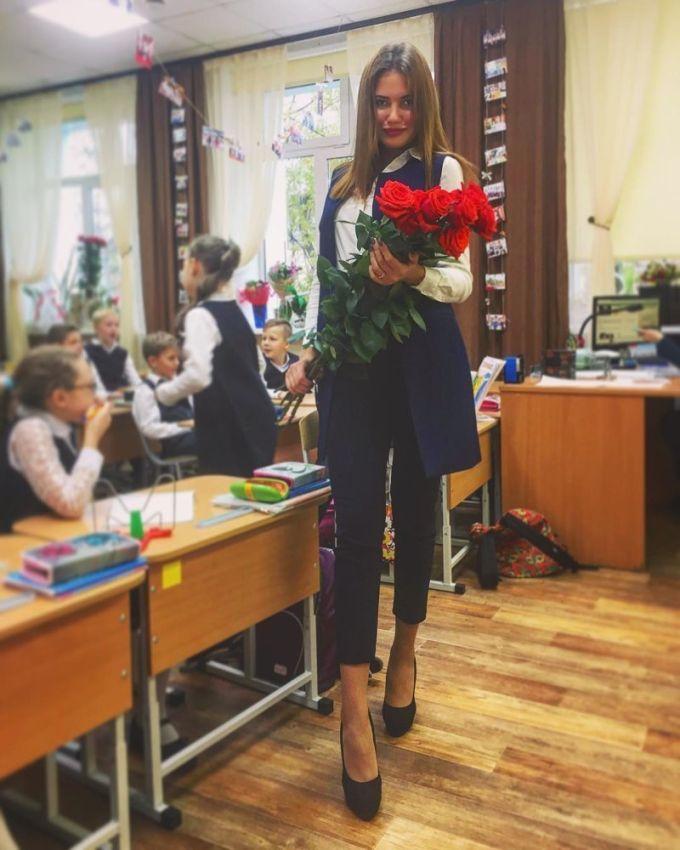 Эффектные учительницы, ради которых мужчины ходят на родительские собрания
