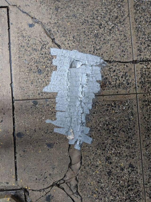 О незаменимости клейкой ленты