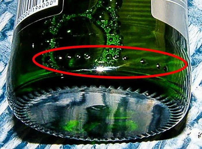 Для чего нужны пупырышки на бутылке и другие ответы