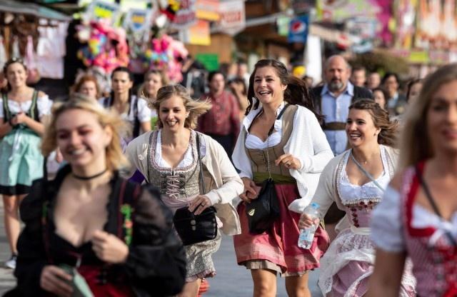 Октоберфест 2018: народные гулянья и реки пива
