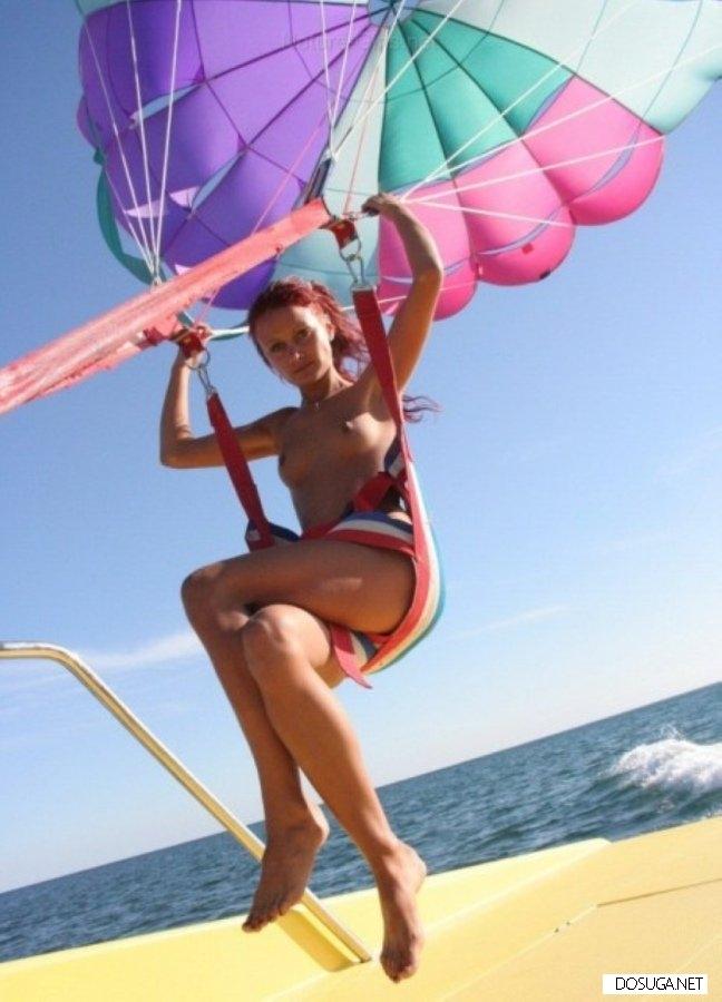 А где то уже лето, солнце, море, пляж и девушки